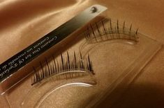 Long and thick eyelashes have always been a symbol of beauty and will always remain to be one. With the various ways of getting eyelash extensions, now eve Long Thick Eyelashes, Best False Eyelashes, How To Grow Eyelashes, Thicker Eyelashes, Best Lashes, Fake Lashes, White Eyelashes, Eyelashes Makeup, Beauty