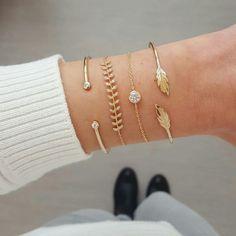 Combo du jour avec les bracelets Théo, Joyce, Bryan et Plume a shopper sur www.asoabijoux.com