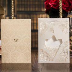 Liebespaar Kuss Lasergeschnittene Pocket Hochzeitseinladung in Elfenbein WPL0053