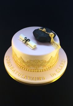 Doctorate Celebration Cake with gold #Cake Lace