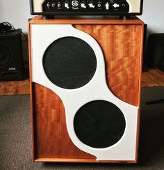 guitar speaker cabinet in Khaya mahogany. Music Stuff, Guitars, Instruments, Home Appliances, Woodworking, Cabinet, Cool Stuff, Design, House Appliances