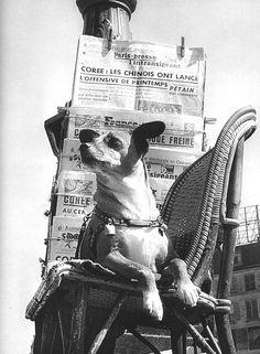 Izis Bidermanas Boulevard Poissonière. Paris (1957)