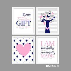 Roze en Navy Girl kinderkamer art prints boom door babyartprints