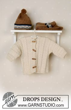 DROPS Jacket, pants, hat and soft toy in Alpaca Free pattern by DROPS Design. Baby Knitting Patterns, Knitting For Kids, Crochet For Kids, Baby Patterns, Free Knitting, Drops Design, Baby Girl Cardigans, Baby Cardigan, Drops Baby