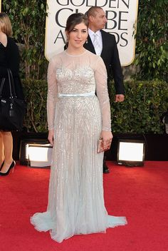 Mayim Bialik at the Annual Golden Globe Awards Golden Globes 2013, Golden Globe Award, Chic Wedding, Wedding Gowns, Amy Farrah Fowler, Mayim Bialik, Woman Movie, Famous Women, Red Carpet Looks