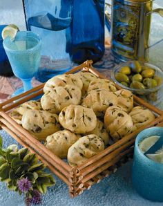 PANECILLOS DE ACEITUNAS Chile, Breads, Stuffed Mushrooms, Vegetables, Food, Cookie Recipes, Olives, Sweet And Saltines, Cooking