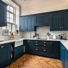 Old Windsor Kitchen — Herringbone Kitchens New Kitchen, Home Decor Kitchen, Kitchen Decor, Kitchen Remodel, Updated Kitchen, Home Kitchens, Blue Kitchen Cabinets, Interior Design Kitchen, Kitchen Inspirations