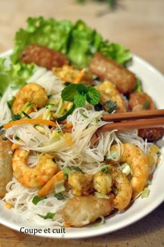 Bo bun shrimp - cut and cooked - shrimp Bo Bun, Asian Recipes, Healthy Recipes, Dinner For 2, How To Cook Shrimp, Food Preparation, Food Inspiration, Easy Meals, Veggies