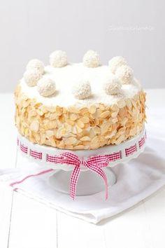 Rafaelo Cake, Milk Recipes, Cooking Recipes, Cake Decorating Designs, Strawberry Cake Recipes, Artisan Food, Cake Fillings, Pastry Cake, Food Cakes