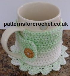 Free crochet pattern for coaster mug cosy from http://patternsforcrochet.co.uk/coaster-mug-cosy-usa.html #crochet #freecrochetpatterns #patternsforcrochet