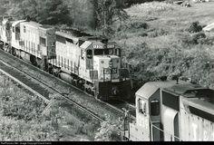 RailPictures.Net Photo: L&N 1232 Louisville & Nashville EMD SD40 at Corbin, Kentucky by David Harris