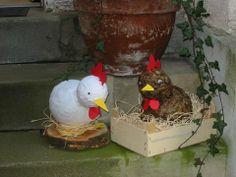 Pappmache-Hühner