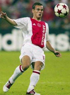 Wesley Sneijder - Netherlands 2002 - 2007 (126 matches / 43 goals)