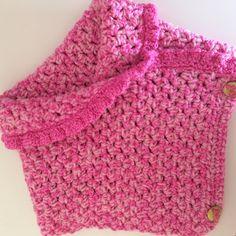 "Kat Kat Katoen: Free pattern - ""Pretty in Pink Collar"" Crochet Scarves, Crochet Shawl, Crochet Clothes, Crochet For Kids, Crochet Baby, Beautiful Crochet, Shawls And Wraps, Crochet Dolls, Knit Patterns"