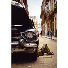 Dia de Mecanico 1956 Cadillac.  Pic via @dgtx  #Cubanossomos #Cuba #cubita #cubanos #cubalibre #vivacuba #nostalgia #paz #sentimientos #suenos #amor #amigos #respeto #lealtad #emosiones #alegria #inspiracion #hermosura #union #unacubalibre #somoscuba #cubabella #cubanosporelmundo #igerscuba #betterpeople #cubanlife #cubanpride by cubanossomos