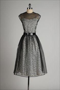 vintage 1940s dress . black polka dot 2 piece by millstreetvintage #vintagedress #vestidovintage