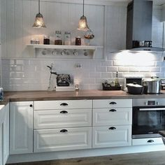 ikea kitchen at behindabluedoor behindabluedoor kitchen - PIPicStats Ikea Kitchen, Home Decor Kitchen, Country Kitchen, Interior Design Living Room, Home Kitchens, Kitchen Dining, Cozinha Shabby Chic, Cuisines Design, Küchen Design