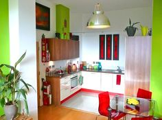 This red and lime green kitchen connects the perfect shades of two of our favorite colors. Cute Kitchen, Smart Kitchen, Red Kitchen, Kitchen Colors, Kitchen Dining, Kitchen Small, Kitchen Ideas, Kitchen Inspiration, Lime Green Kitchen