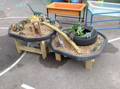 Learning and Exploring Through Play: 44 Tuff Spot Play Ideas Eyfs Outdoor Area, Outdoor Play Spaces, Outdoor Areas, Outdoor Fun, Outdoor Play Ideas, Reggio Emilia, Tuff Spot, Eyfs Classroom, Outdoor Classroom