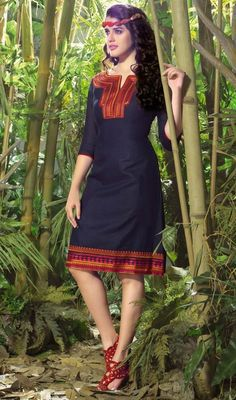 Win hearts of your onlookers hands down, dress into this royal blue linen tunic. The brilliant kurti creates a dramatic canvas with remarkable lace and resham work.  #SexyClassicalTunicKurtis
