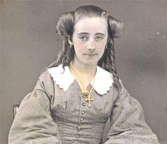 Daguerreotype Photograph of puffy coiffure, American 1850 era