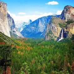 Yosemite Valley from Tunnel View, Yosemite National Park, United States. Tunnel View provides one of the most famous views of Yosemite Valley. From here you can see El Capitan and Bridalveil Fall rising from Yosemite Valley, with Half Dome in the background.