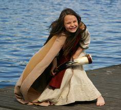 http://www.vajert.se/pic/viking/Cassie_horndans1_100528.jpg