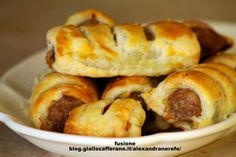 mini sausage rolls: rustici salati di pasta sfoglia
