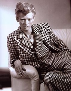 Tilda: adore her androgynous look and talent,it is no little wonder that she and Bowie found each other.