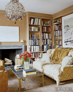Aerin Lauder Library via Elle Decor Elle Decor, Aerin Lauder, Hamptons House, Celebrity Houses, Furniture Collection, Book Collection, Apartment Design, Beautiful Interiors, Decoration