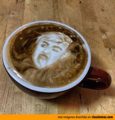 ¡Miley Cyrus en mi café! ¡Socorrooooo!