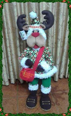 RENO POLAR Christmas Wreaths, Merry Christmas, Christmas Ornaments, Snowman, Diy And Crafts, Dolls, Holiday Decor, Outdoor Decor, How To Make