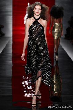 New York Fashion Week: Reem Acra Spring/Summer 2014 - http://qpmodels.com/interesting/2953-new-york-fashion-week-reem-acra-spring-summer-2014.html