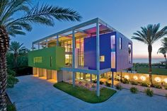Very Surreal Style going on here..  Concrete & glass villa by Guy Peterson, Siesta Key, Florida