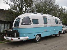 viteez:  1974 HANOMAG-HENSCHEL F20L Orion camper by sanders' http://flic.kr/p/g9dYWM  Love all the windows