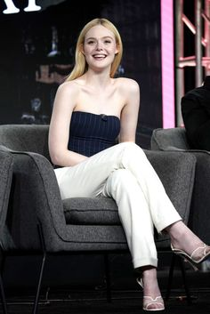 Elle Fanning and Nicholas Hoult are set to star in The Great, a mini-series for Hulu. In the show, Fanning will portray Catherine the Great and Hoult will assume the role of Peter III of Russia. The Lost Room, Curvy Fashion, Fashion Models, Petite Fashion, Fashion Bloggers, Style Fashion, Fashion Trends, Celebrity Photos, Celebrity Style