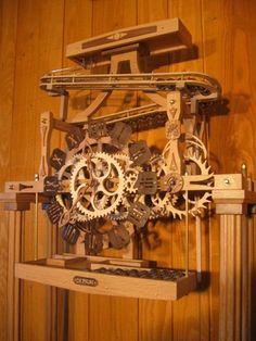 Woodworking Table Watches Horloge bois - Horloge Billes Plus.Woodworking Table Watches Horloge bois - Horloge Billes Plus Awesome Woodworking Ideas, Woodworking Basics, Woodworking Logo, Woodworking Joints, Woodworking Workshop, Woodworking Projects Diy, Fine Woodworking, Woodworking Furniture, Wooden Gear Clock