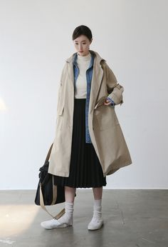 ↞∙∙∙Pamelaxvi∙∙∙↠ Edgy Style, Cool Style, Socks Outfit, Beige Coat, Winter Coats Women, Minimalist Fashion, Minimalist Outfits, Modest Fashion, Asian Fashion