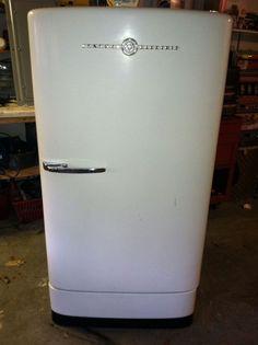 Retro*  1940's Antique Refrigerator General Electric picclick.com