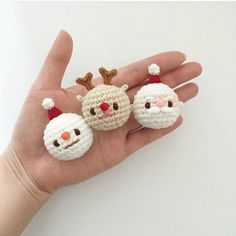 Amigurumi for Christmas: 31 Beautiful Ornaments to Be Inspired-Amigurumi para o Natal: 31 Enfeites Lindos para se Inspirar Amigurumi for Christmas: 31 Beautiful Ornaments to Be Inspired Crochet Christmas Decorations, Christmas Crochet Patterns, Crochet Decoration, Holiday Crochet, Crochet Toys Patterns, Christmas Knitting, Amigurumi Patterns, Crochet Diy, Crochet Amigurumi