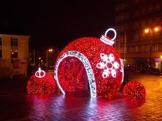 Christmas Decorations in the city of Cracow look wonderful. See more Christmas deco on our channel! Holiday Lights, Christmas Lights, Christmas Holidays, Christmas Crafts, Christmas Candy, Diwali Decorations, Christmas Decorations, Holiday Decor, Christmas Tree Baubles
