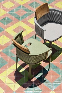 Balcony Table And Chairs, Garden Chairs, Outdoor Chairs, Dining Chairs, Outdoor Furniture, Outdoor Fabric, Pizzeria Design, Chair Upholstery, Interior Design Inspiration