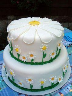 Daisy cake...I love daisies!