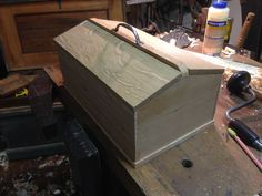 Wood Tool Box, Wooden Tool Boxes, Wood Tools, Woodworking Bench, Woodworking Projects, Welding Projects, Lumber Storage, Tool Storage, Antique Tools