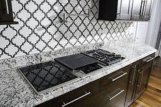 best ideas for bath room black grout kitchen backsplash Kitchen Flooring, Kitchen Backsplash, Backsplash Ideas, Stone Flooring, Kitchen Countertops, Kitchen Layout, Kitchen Colors, Arabesque Tile Backsplash, Black Grout