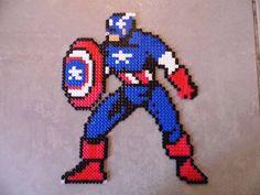 pixel art en perle hama: Captain America en perle hama