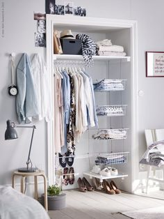 6 Bedroom Design Ideas For Teen Girls // Whether it's a dresser, a clothing rack, or built in closet organization, ample clothing storage is a must for any teen girl bedroom. Girls Bedroom, Teenage Girl Bedrooms, Girl Bedroom Designs, Closet Bedroom, Closet Space, Bedroom Decor, Bedroom Ideas, Bedroom Design For Teen Girls, Bedroom Alcove