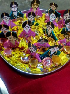 Beautiful gold long haaram studded with emeralds. Long haaram with peacock design pendant. Long haaram having gold ball hangings. Thali Decoration Ideas, Fruit Decorations, Diwali Decorations, Festival Decorations, Wedding Decorations, Ganesh Chaturthi Decoration, Indian Baby Showers, Indian Wedding Planner, Flower Rangoli