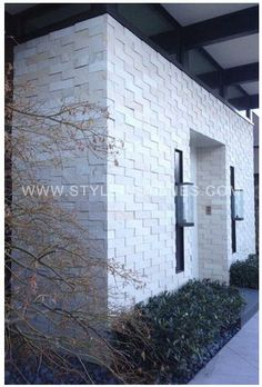 Making an entrance with Island Stone Large Vtiles Tile Projects, Stone Tiles, Natural Stones, Entrance, Exterior, It Is Finished, Island, Facades, Architecture