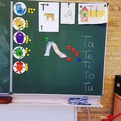Was würde ich bloß ohne die ganzen bloggenden Lehrer machen? Ihr seid toll und macht mein Klassenzimmer bunter Grade 1, First Grade, Speech Therapy Activities, Primary School, Teaching English, Classroom Management, Literacy, Back To School, Homeschool